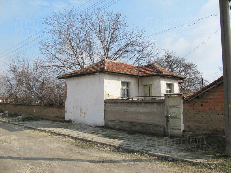 Дом в Пловдиве, Болгария, 1400 м2 - фото 1