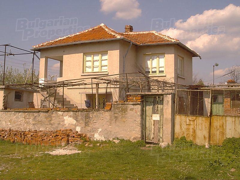 Дом в Ямболе, Болгария, 2600 м2 - фото 1