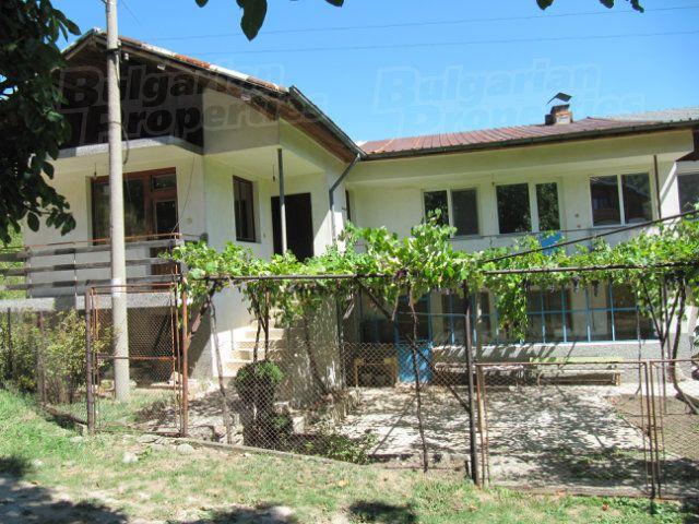 Дом в Пловдиве, Болгария, 485 м2 - фото 1