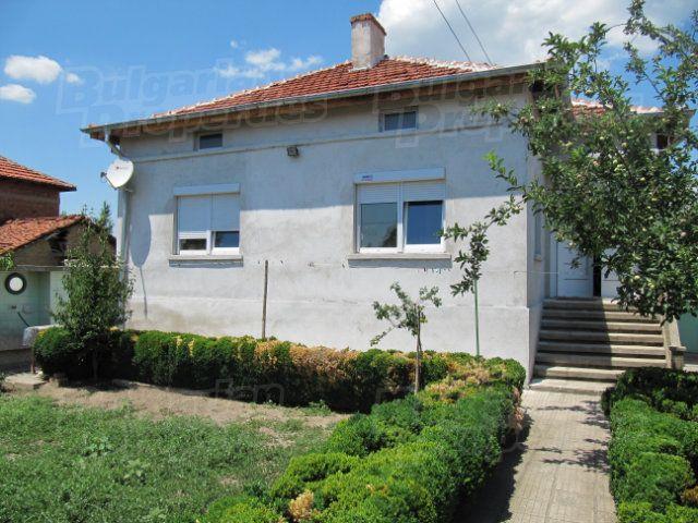 Дом в Пловдиве, Болгария, 1790 м2 - фото 1