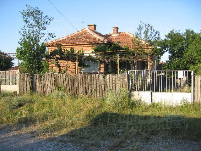 Дом в Ямболе, Болгария, 1900 м2 - фото 1