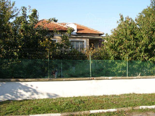 Дом в Пловдиве, Болгария, 1600 м2 - фото 1