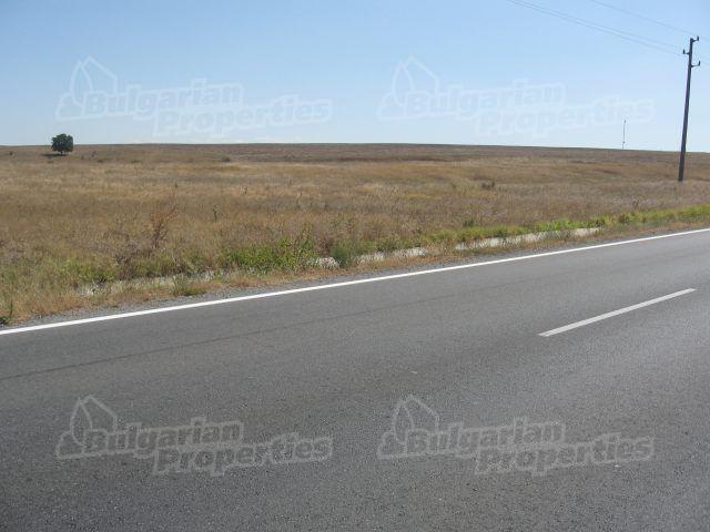 Земля в Ямболе, Болгария, 7902 м2 - фото 1