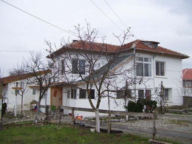 Дом в Ямболе, Болгария, 2560 м2 - фото 1