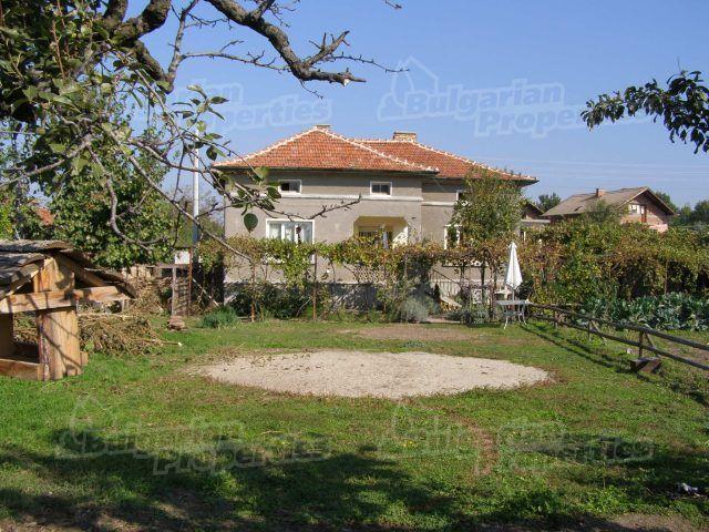 Дом в Пловдиве, Болгария, 1330 м2 - фото 1