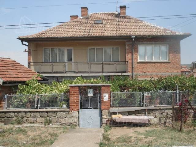 Дом в Хасково, Болгария, 2100 м2 - фото 1