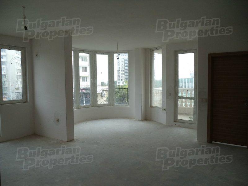 Апартаменты в Бургасе, Болгария, 72.2 м2 - фото 1