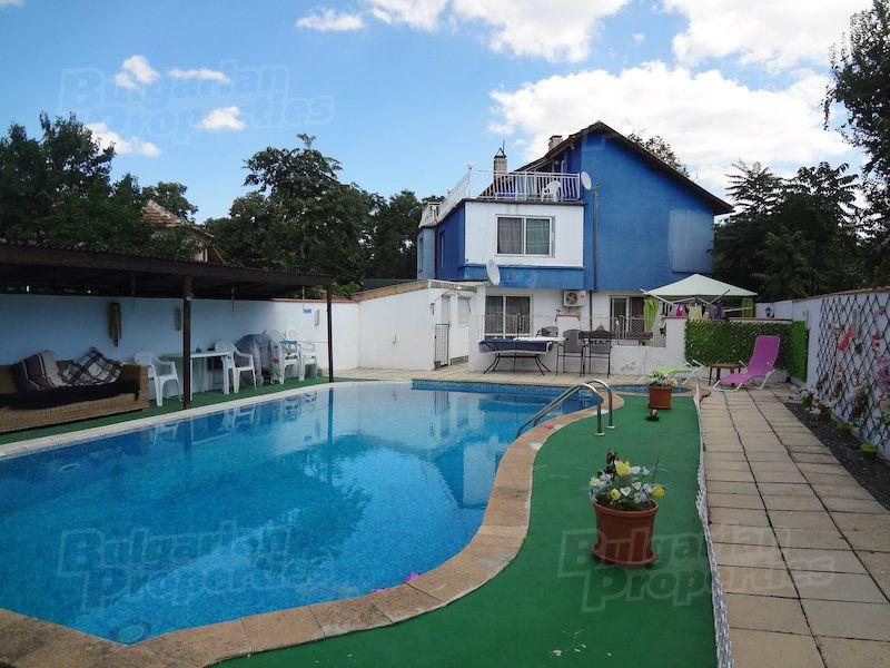 Дом в Бургасе, Болгария, 230 м2 - фото 1