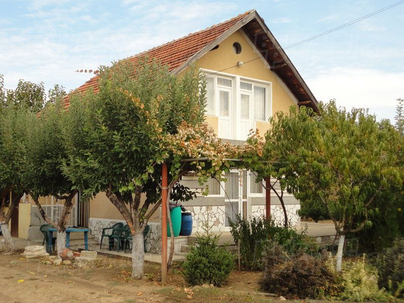 Дом в Стара Загоре, Болгария, 1600 м2 - фото 1