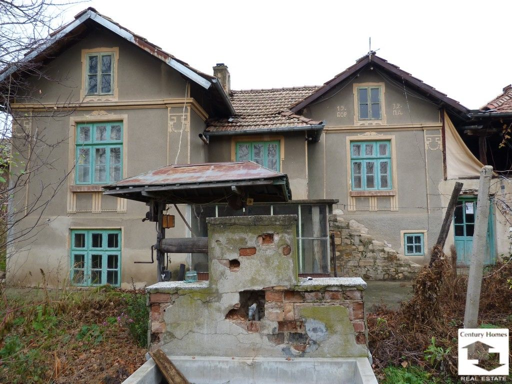 Дом в Велико Тырново, Болгария, 1700 м2 - фото 1