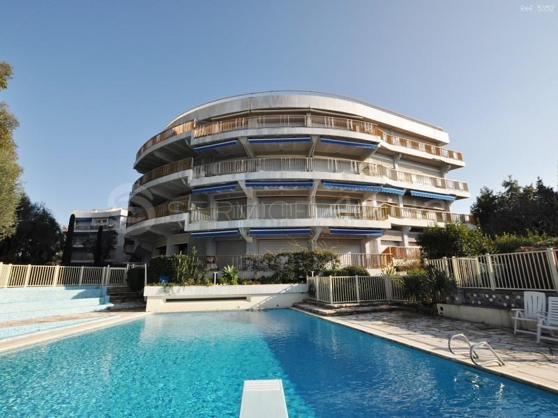 Апартаменты в Антибе, Франция, 130 м2 - фото 1