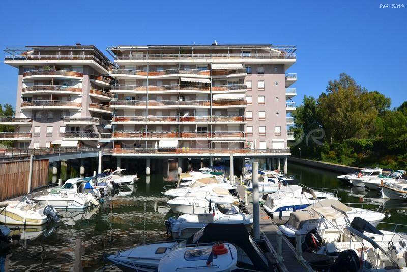 Апартаменты в Мандельё-ла-Напуль, Франция, 100 м2 - фото 1