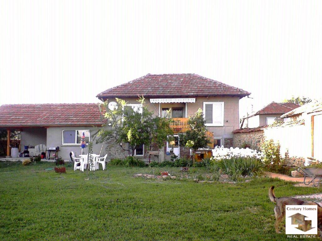 Дом в Велико Тырново, Болгария, 2200 м2 - фото 1