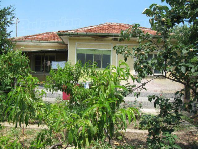 Дом в Пловдиве, Болгария, 1375 м2 - фото 1