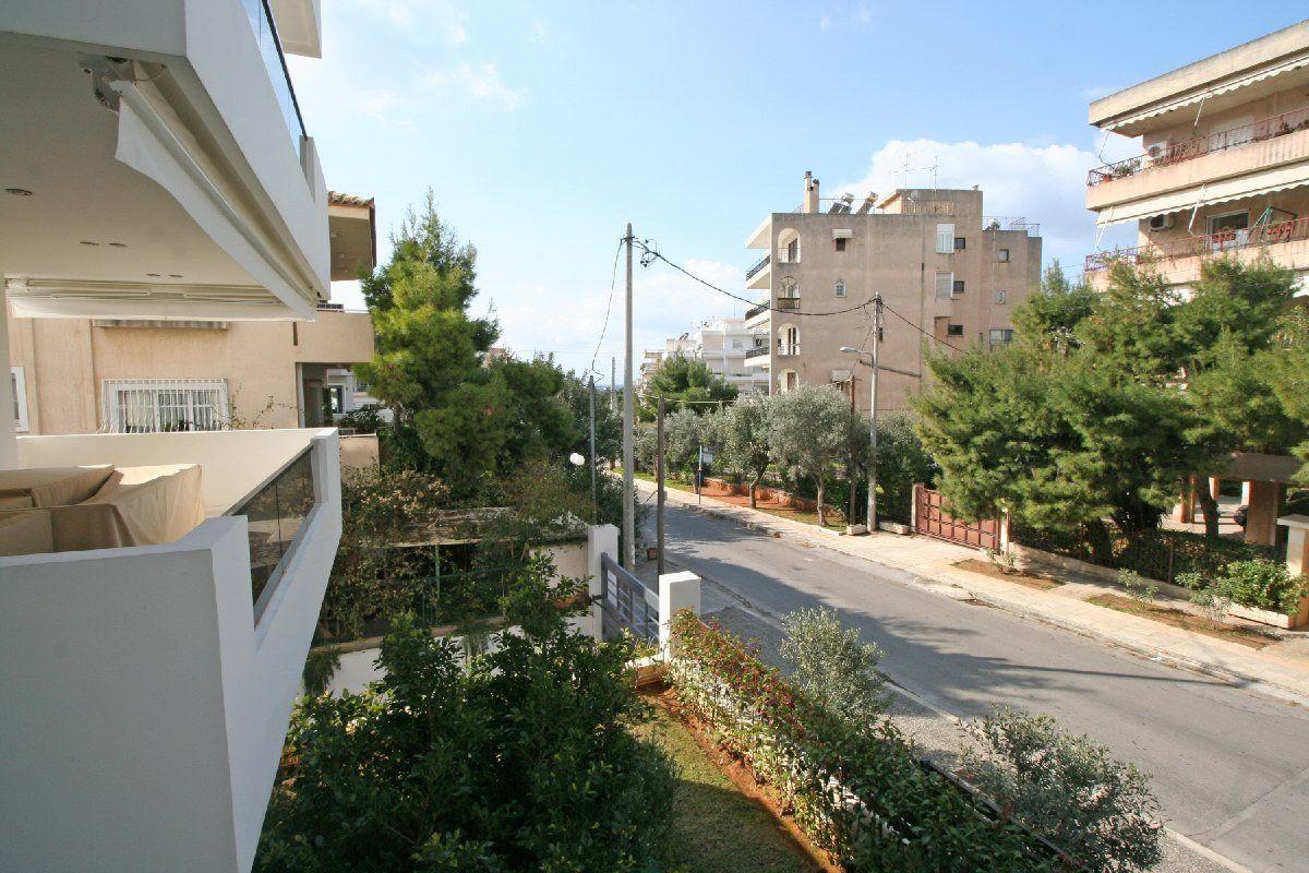 Квартира Южные Афины, Вула, Греция, 69 м2 - фото 1