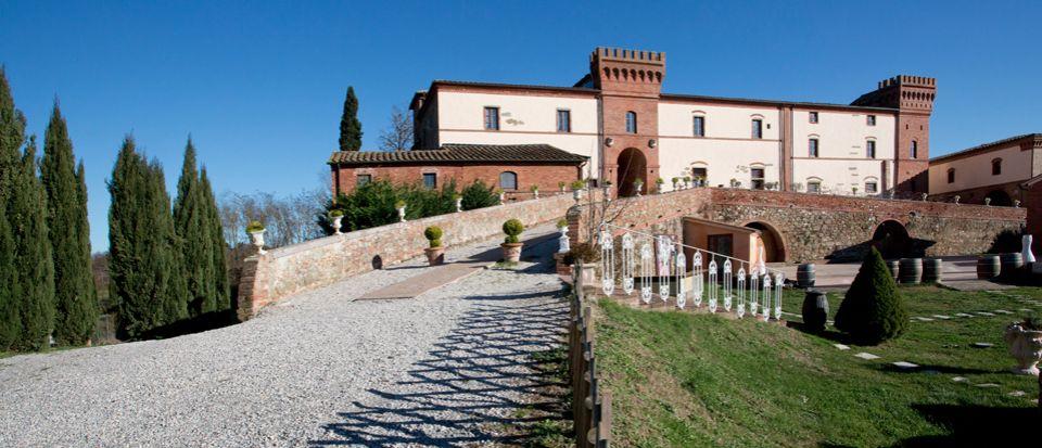 Замок в Сиене, Италия, 1000 м2 - фото 1