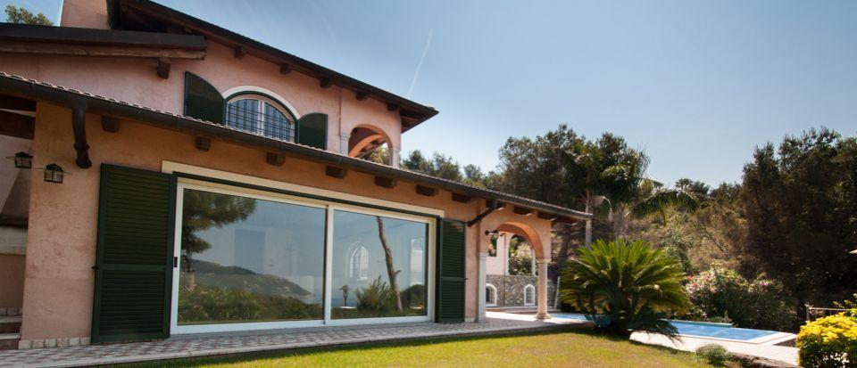 Вилла в Алассио, Италия - фото 1