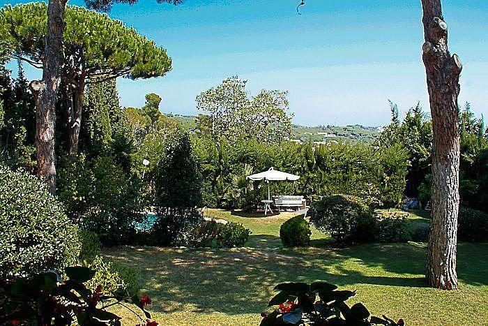 Дом в Сан-Андреу-де-Льяванерас, Испания, 200 м2 - фото 1