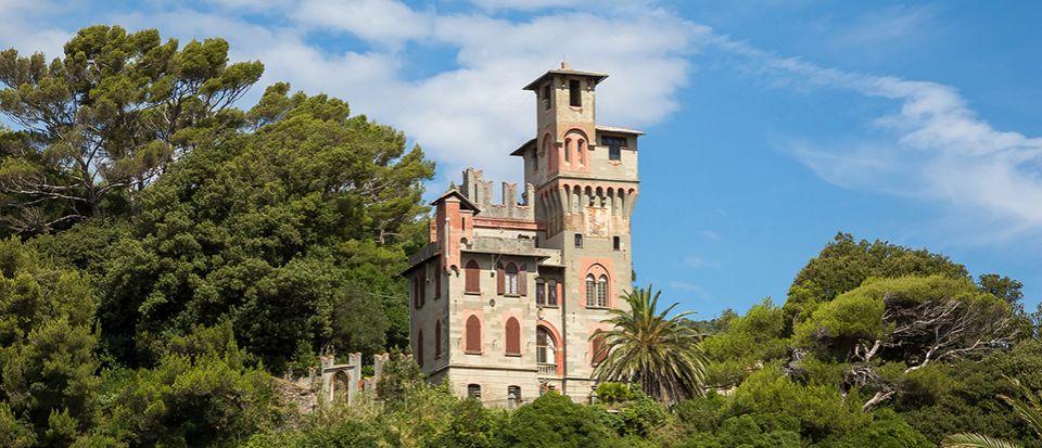 Замок в Генуе, Италия - фото 1