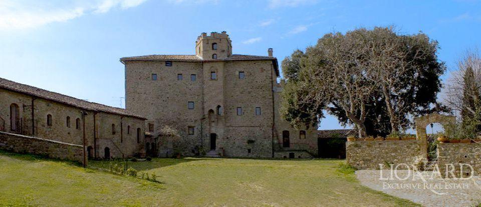 Замок в Гроссето, Италия, 3460 м2 - фото 1