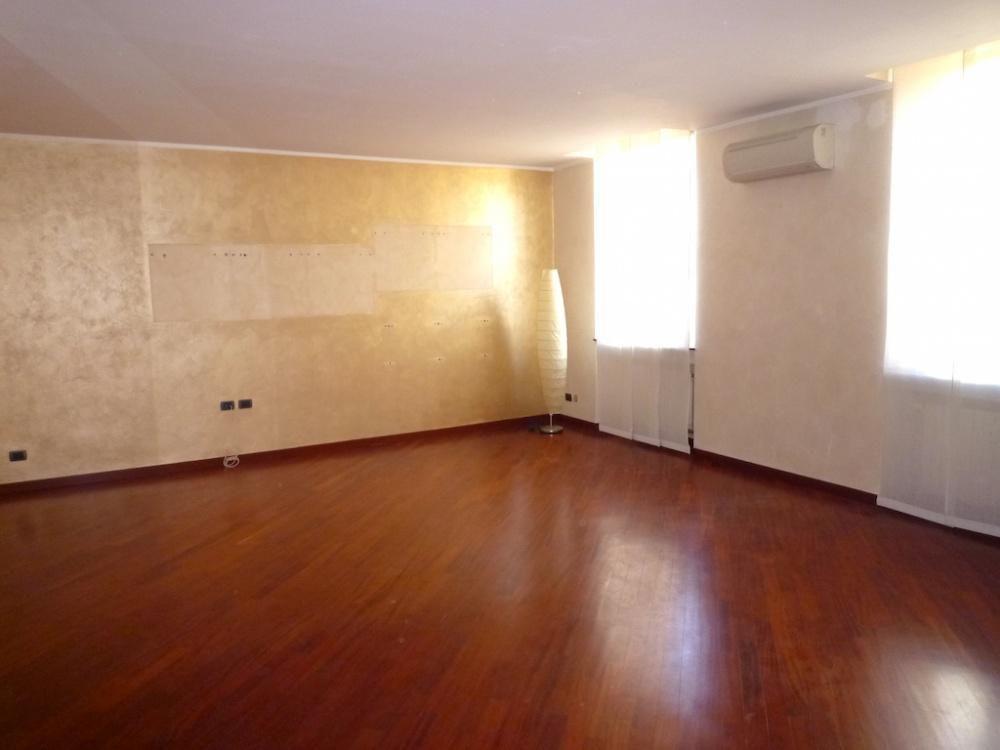 Апартаменты в Милане, Италия, 115 м2 - фото 1