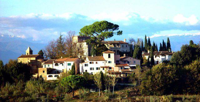 Земля в Пизе, Италия, 3820000 м2 - фото 1
