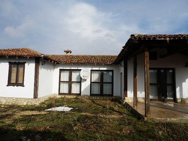 Дом в Варненской области, Болгария, 500 м2 - фото 1