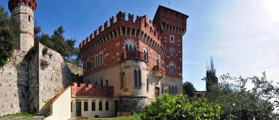 Замок в Савоне, Италия, 911 м2 - фото 1
