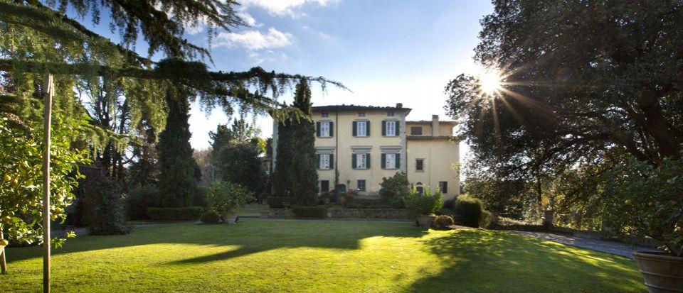 Вилла в Камайоре, Италия, 1200 м2 - фото 1