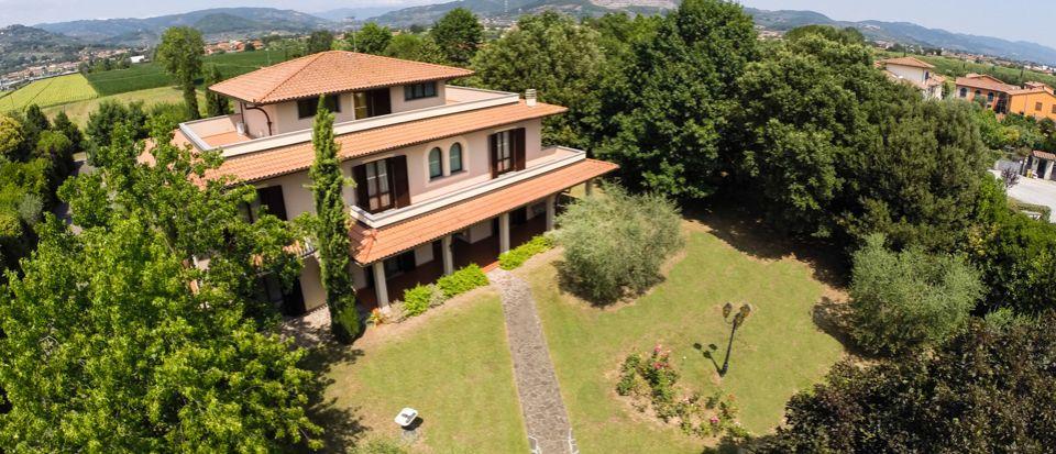 Вилла в Монтекатини-Терме, Италия - фото 1