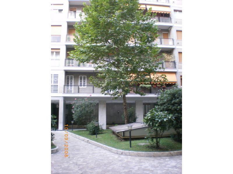 Офис в Милане, Италия, 90 м2 - фото 1