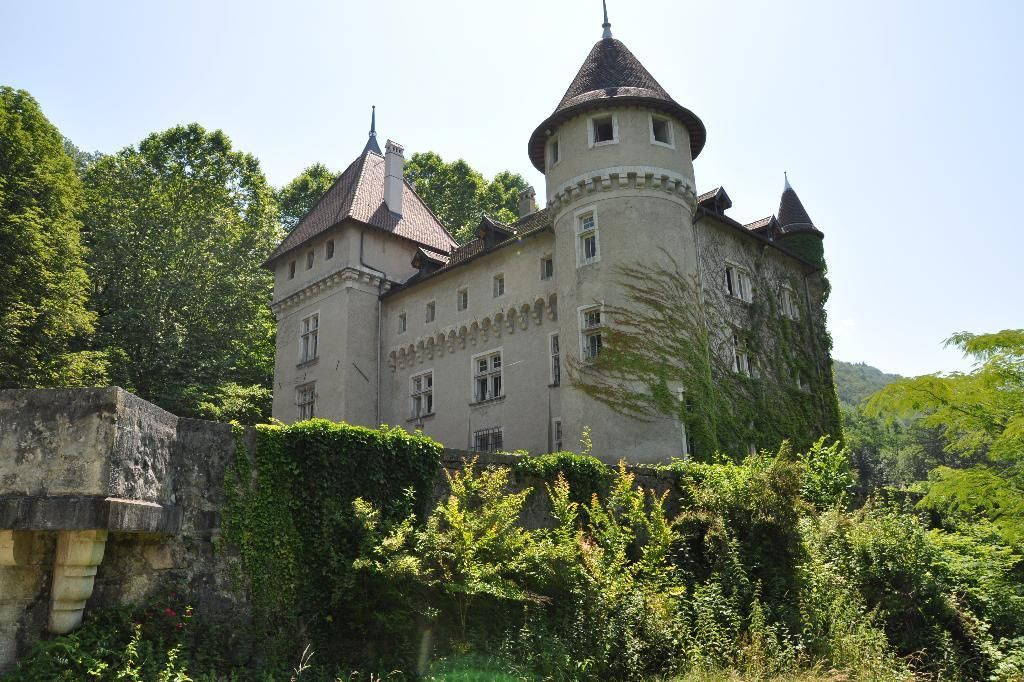 Замок в Рона-Альпы, Франция, 700 м2 - фото 1