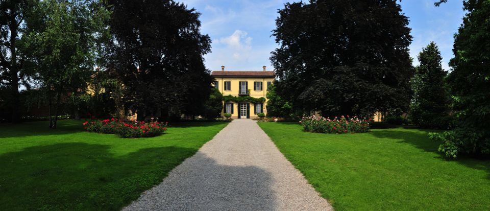 Вилла в Милане, Италия, 1530 м2 - фото 1