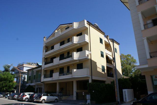 Real estate agents in Tortoreto Russian