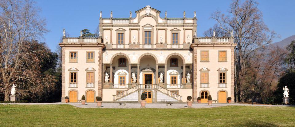Вилла в Лукке, Италия, 2112 м2 - фото 1