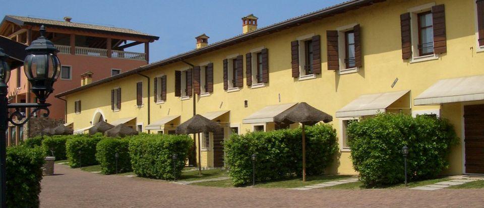 Отель, гостиница у озера Гарда, Италия, 5760 м2 - фото 1