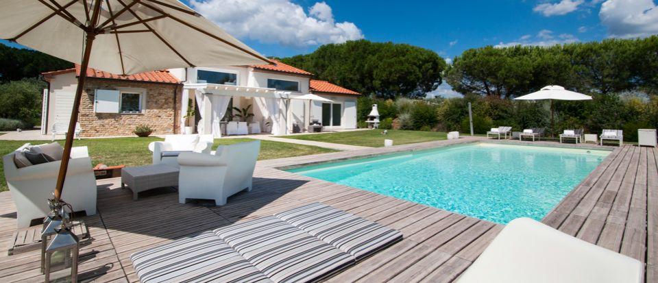 Rental villas in Livorno sea priced in rubles