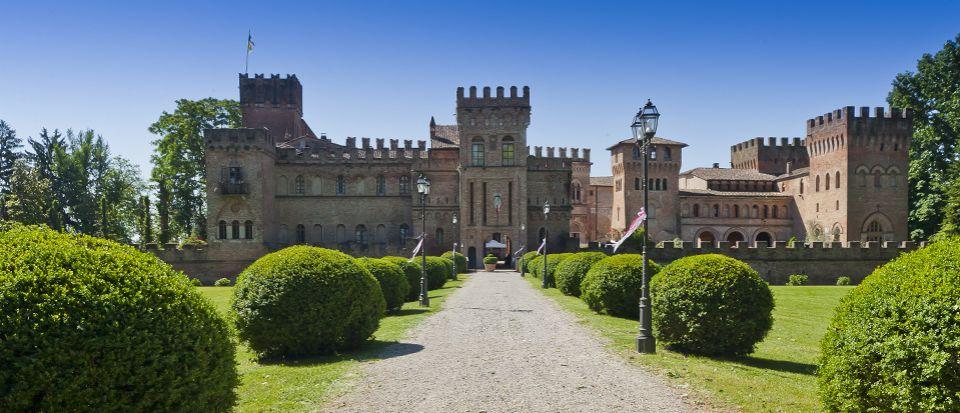 Замок в Милане, Италия, 8800 м2 - фото 1