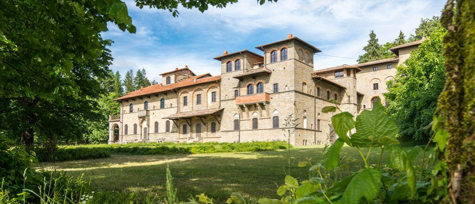 Замок во Флоренции, Италия - фото 1