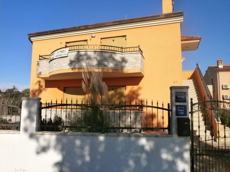 Дом в Пуле, Хорватия, 400 м2 - фото 1