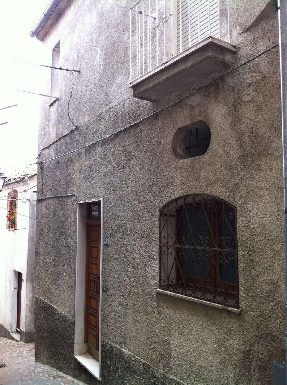 Дом в Абруццо, Италия, 90 м2 - фото 1