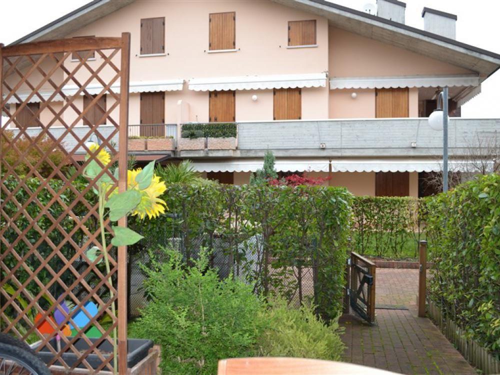 Апартаменты в Ломбардии, Италия, 60 м2 - фото 1