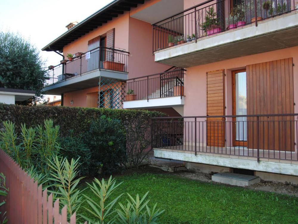 Апартаменты в Ломбардии, Италия, 71 м2 - фото 1