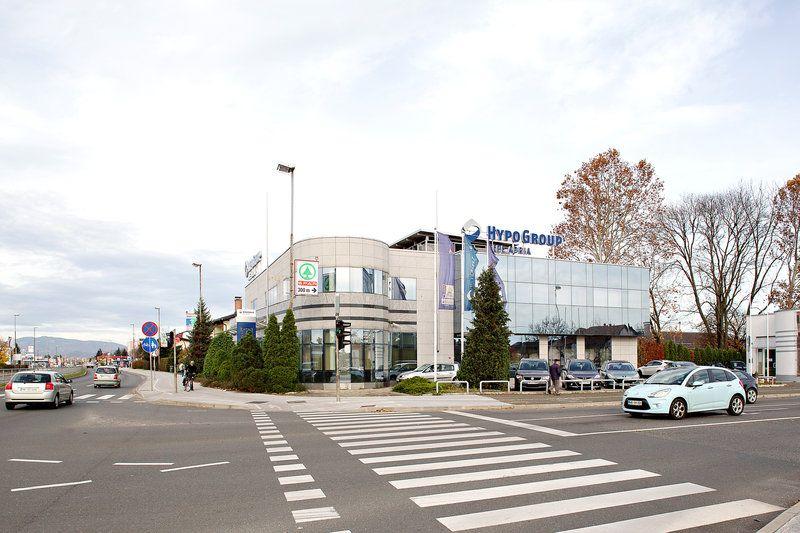Офис в Мариборе, Словения, 893 м2 - фото 1