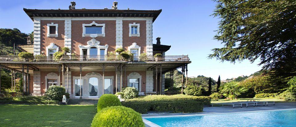 Апартаменты у озера Комо, Италия, 687 м2 - фото 1