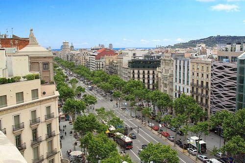 Офис в Барселоне, Испания, 715 м2 - фото 1