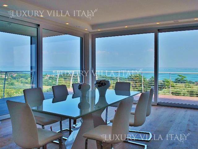 Квартира у озера Гарда, Италия, 90 м2 - фото 1