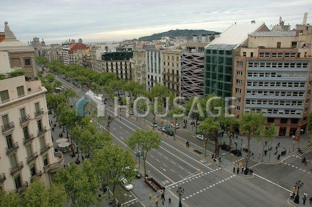 Доходный дом в Барселоне, Испания, 2800 м2 - фото 1