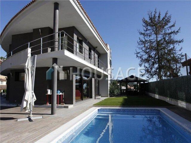 Дом в Барселоне, Испания, 550 м2 - фото 1