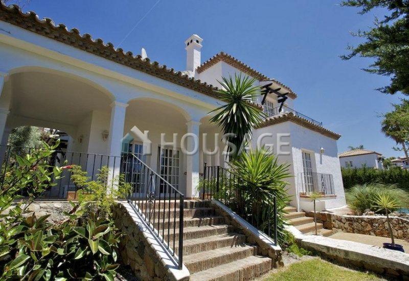 Дом на Коста-дель-Соль, Испания, 943 м2 - фото 1
